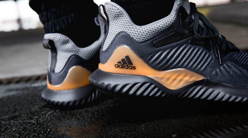Top 9 dòng giầy Adidas được ưu chuộng nhất